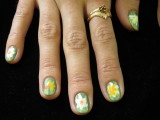 Fun Daffodil Fingernails! Right Hand.